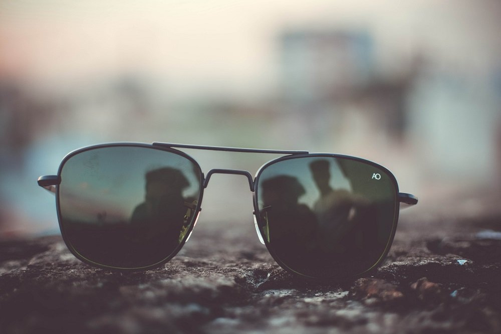 The Complete Aviator Sunglasses Guide: What to Know Before Buying a Pair